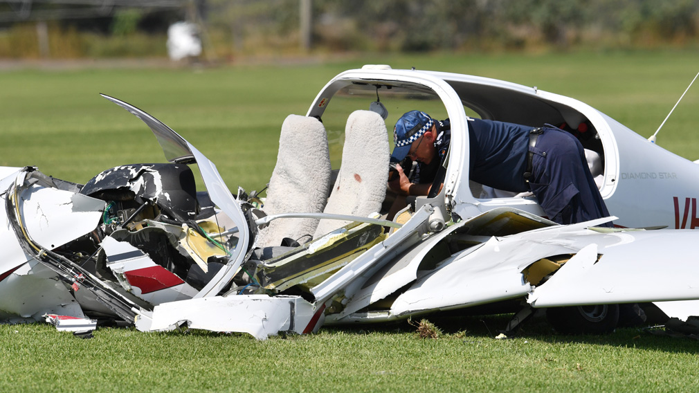 Pilot called 'Mayday' before double-fatal plane crash