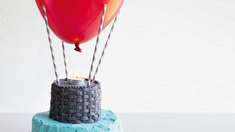 Up, up and away hot air balloon birthday cake recipe_thumb