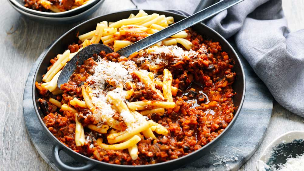 Mushroom and lentil Bolognese with spaghetti