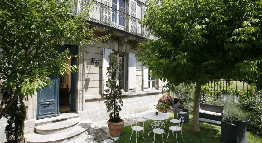 <strong>A nine-bedroom French mansion ($AUD1,198,000)</strong>