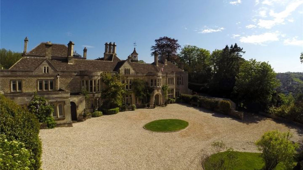 <strong>Cotswold properties that might suit the royal pair</strong>