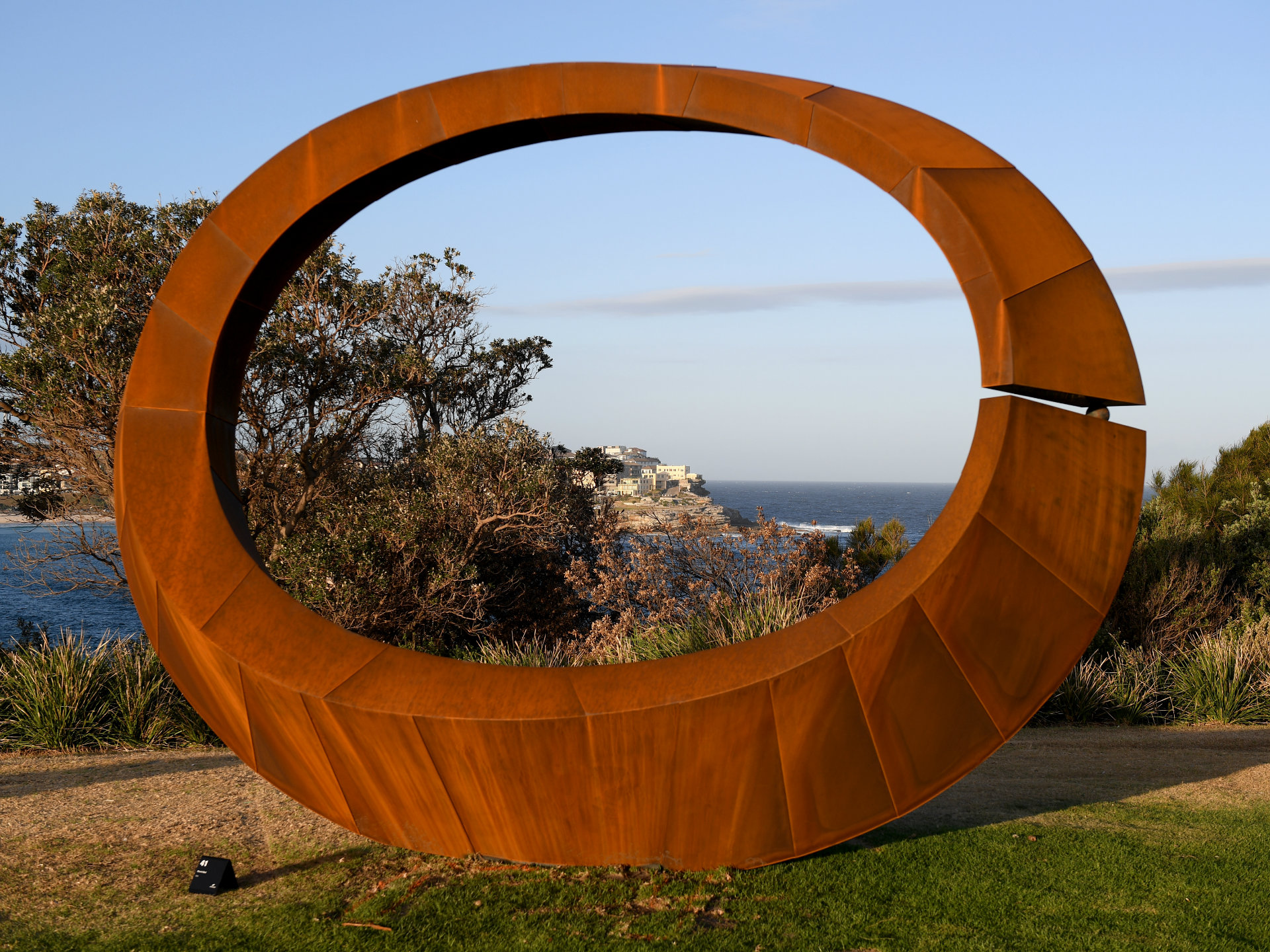 Winner of 2017 Sculpture by the Sea exhibition announced