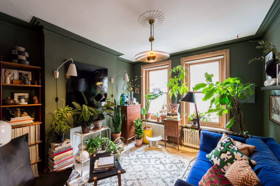 Brightly painted London apartment for sale - 9Homes