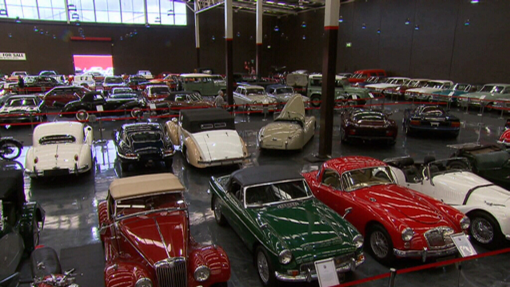 Scores of vintage cars up for grabs in NSW museum sale