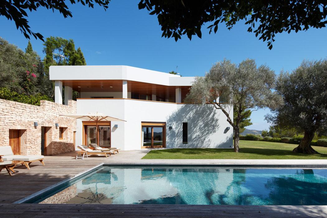 14 5 Million Villa For Sale On A List Island 9homes