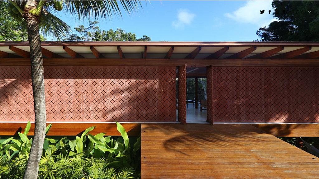 <strong>Brazilian jungle house</strong>