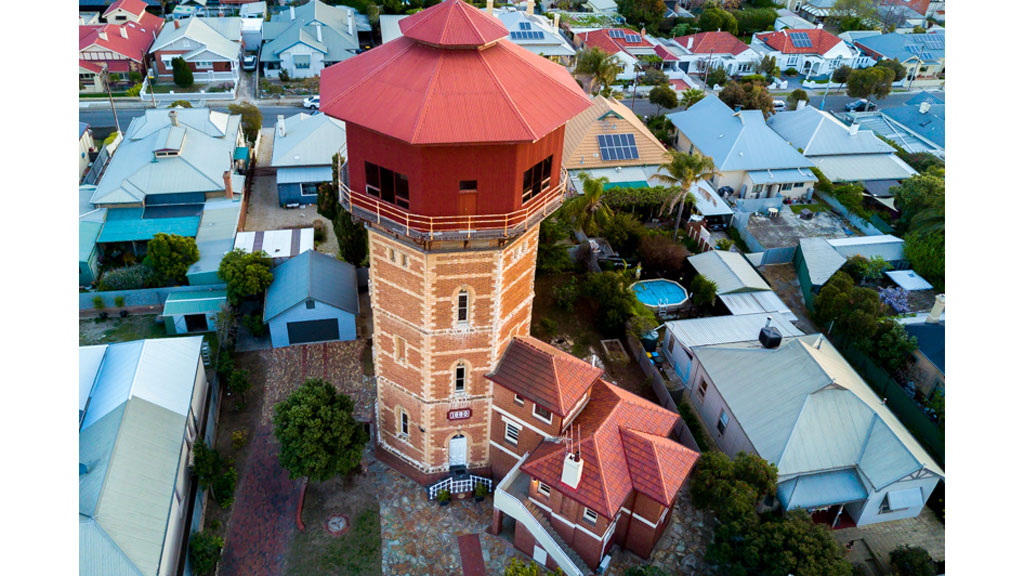 <strong>Adelaide's wackiest house up for auction tomorrow</strong>