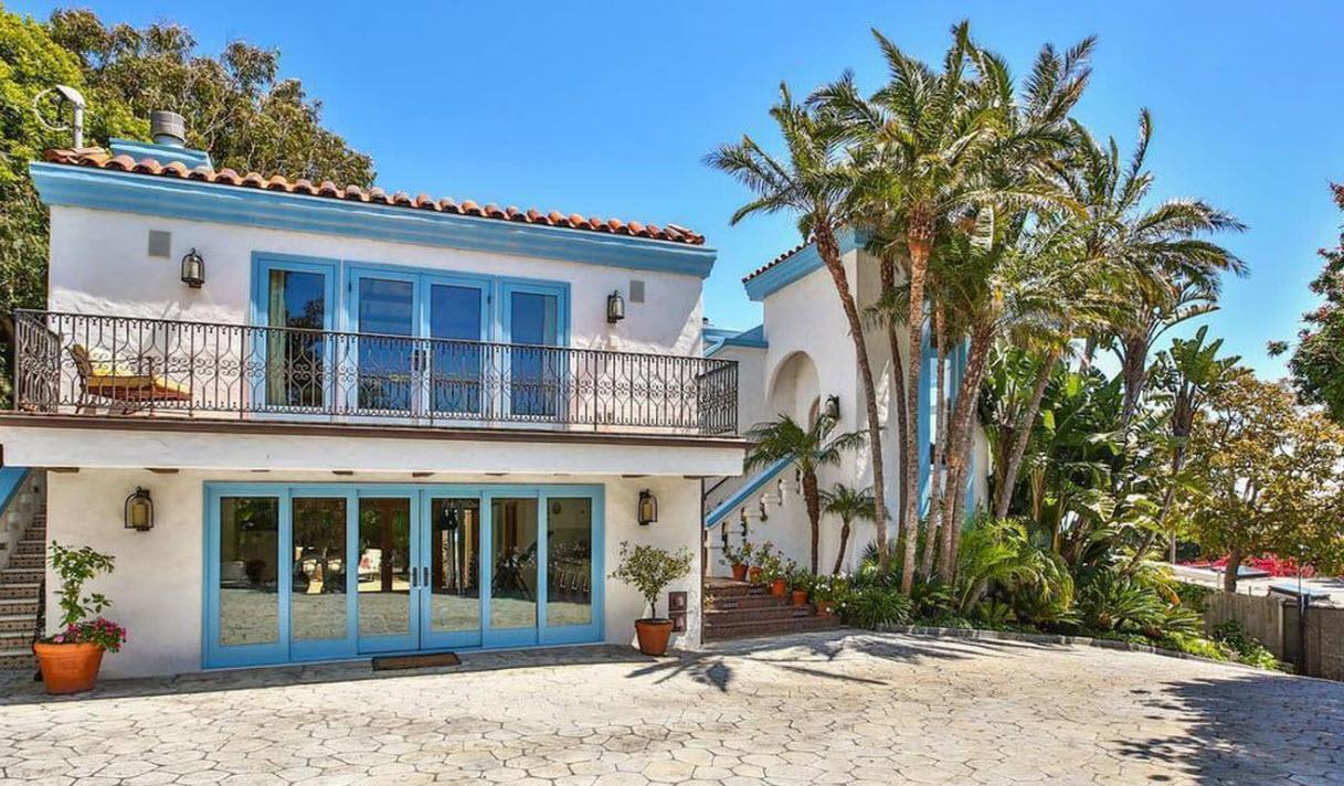 <strong>Inside former Bond actor's Malibu villa</strong>