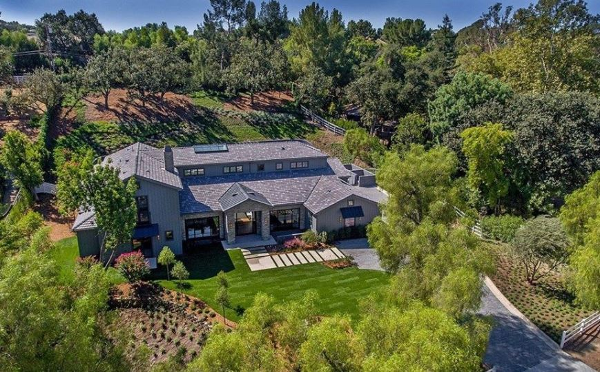 Kris Jenner Buys 13 Million Home In California S Hidden
