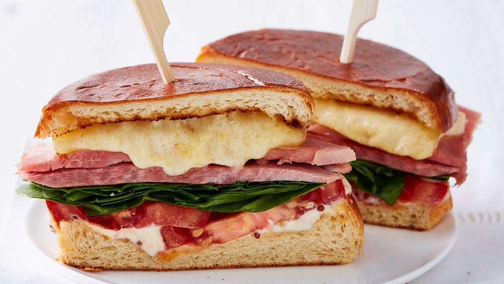 "Recipe: <a href=""http://kitchen.nine.com.au/2018/01/12/13/02/sandwich-recipe"" target=""_top"" draggable=""false"">HamSandwich</a>"