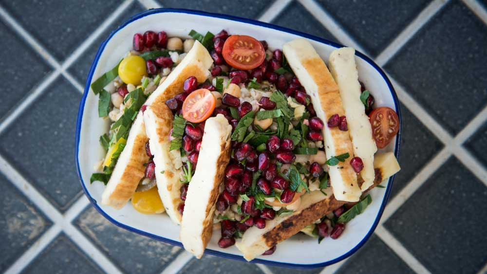 Recipe: Barley and haloumi salad
