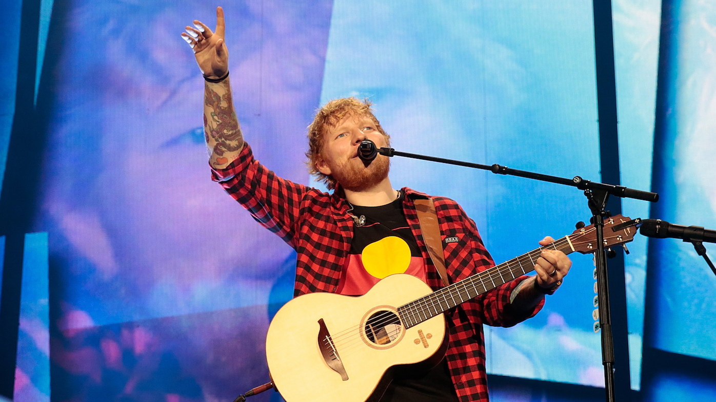 ed sheeran fans faint at melbourne concert at etihad. Black Bedroom Furniture Sets. Home Design Ideas