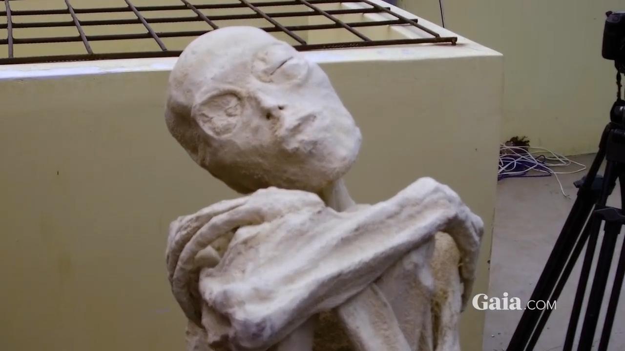 Scientists claim three-fingered Peruvian mummies 'aren't human'
