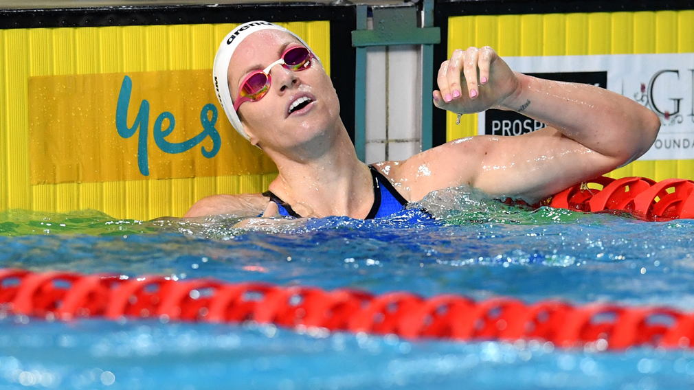 Commonwealth Games Emily Seebohm Caught On Lane Ropes In