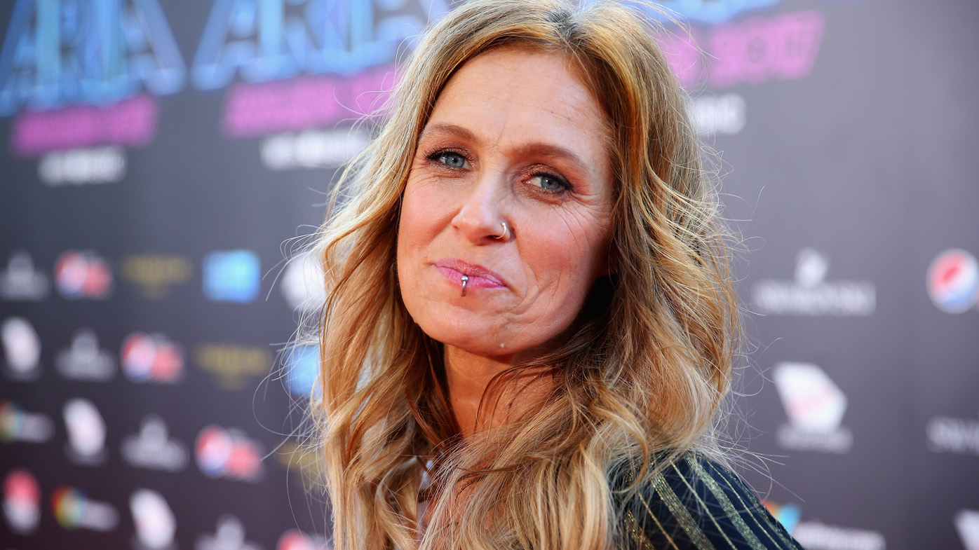 Kasey Chambers says having Emmylou Harris sing on her ... Emmylou Harris In Nederland In 2018