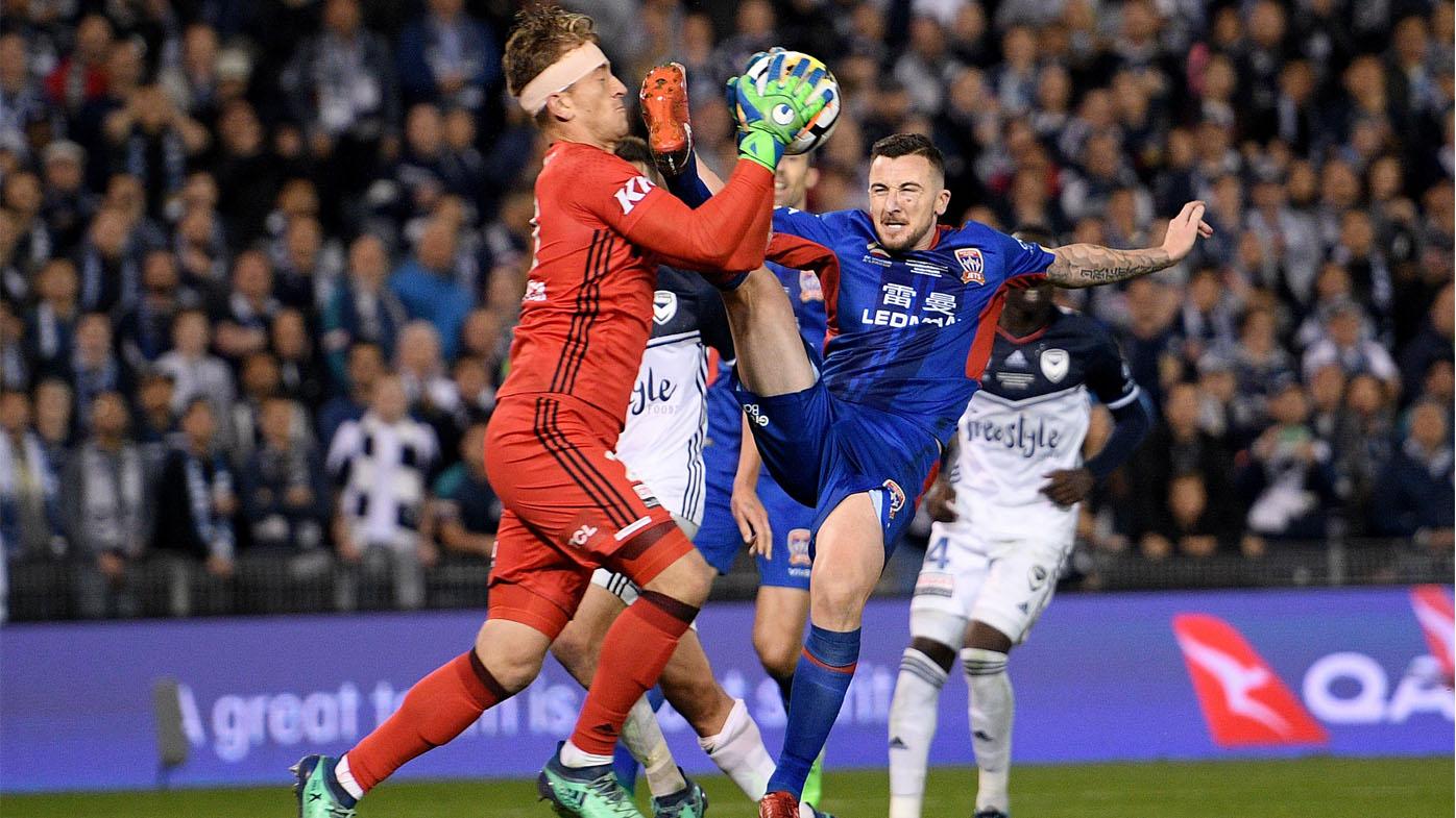 O'Donovan kicks Thomas