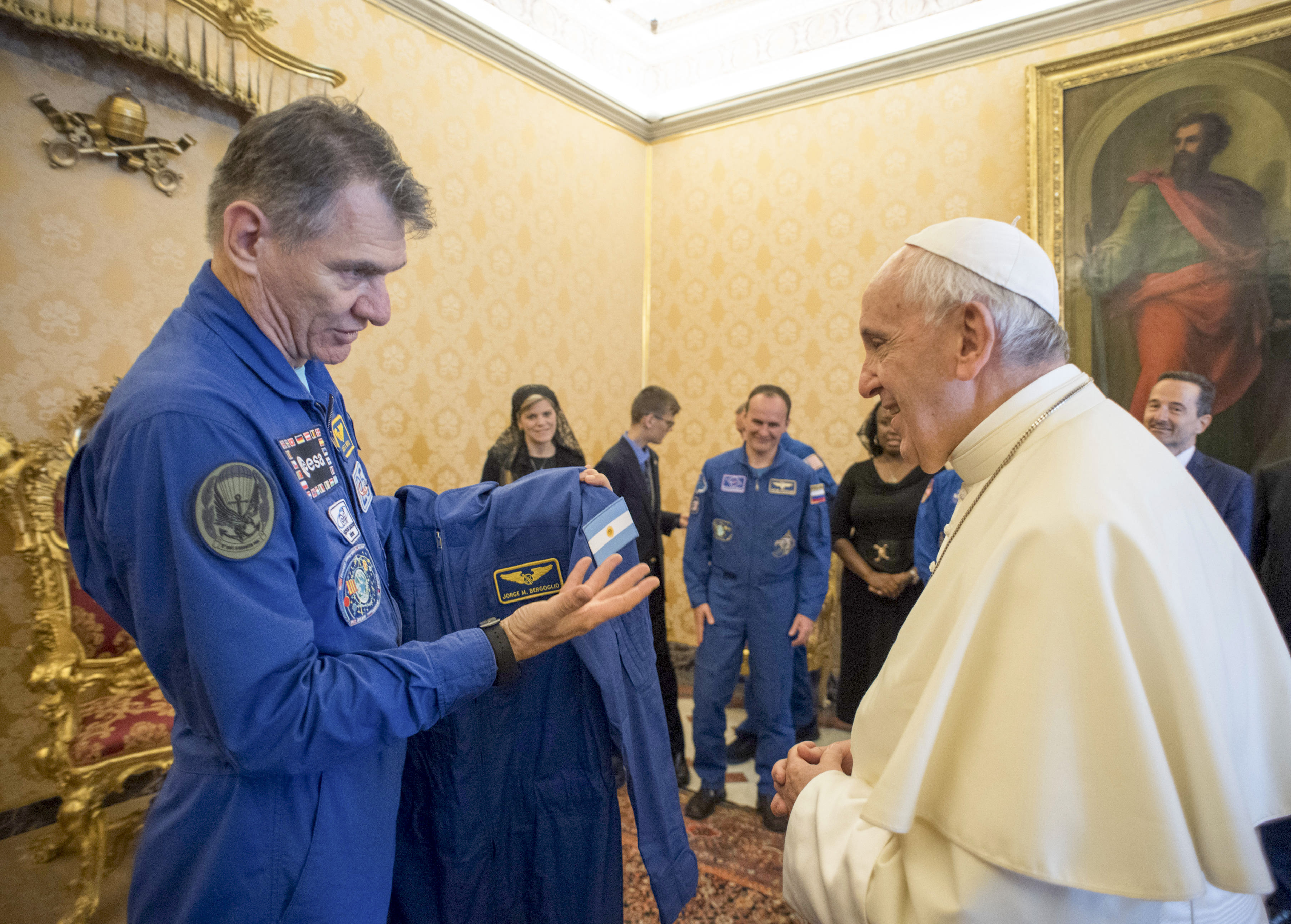 Astronauts give Pope Francis customised space suit