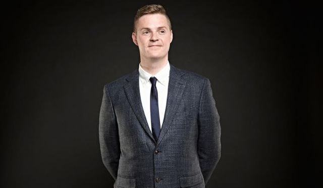 Comedian Tom Ballard accused of sexually assaulting man in hotel room