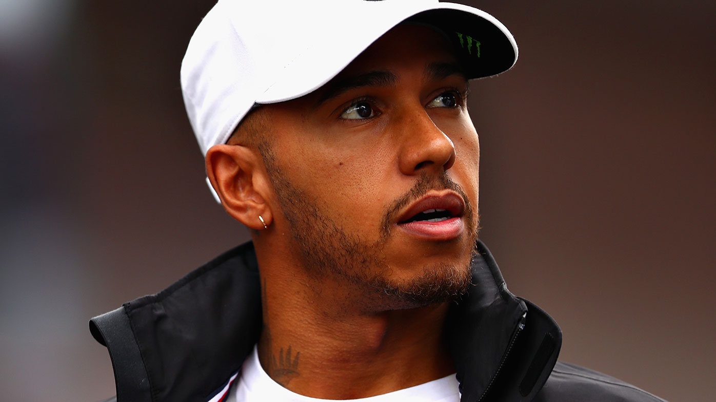 F1 champion Hamilton staying with Mercedes to 2020