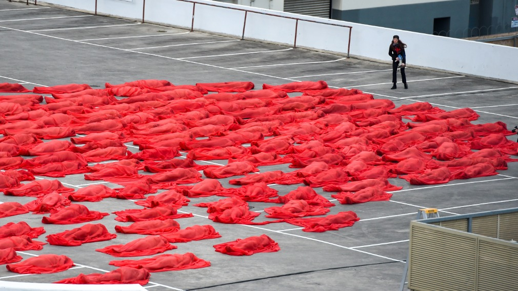 Melbourne Hundreds Strip For Spencer Tunick Roof Top