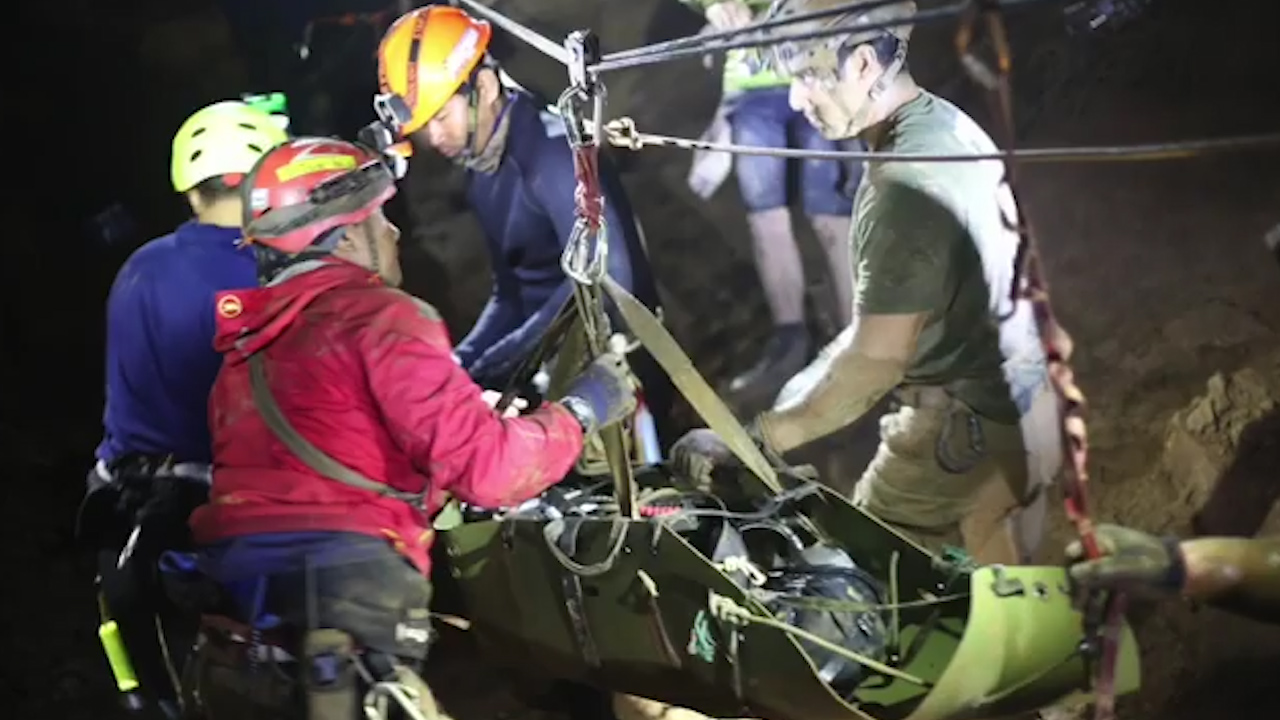 Thai Navy SEALS release footage of cave rescue