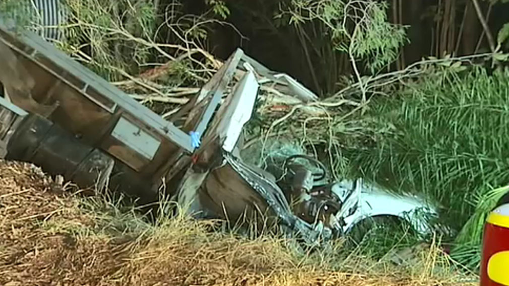Gold Coast man cut out of truck after crash