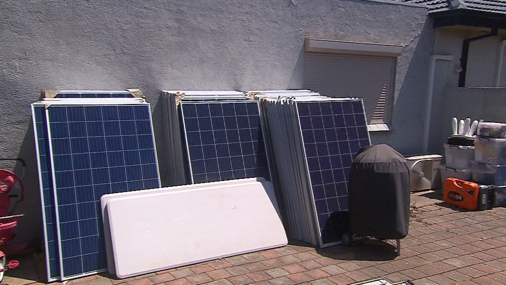 Sa Homeowners Warned About Risky Solar Panel Installations Ford Roof