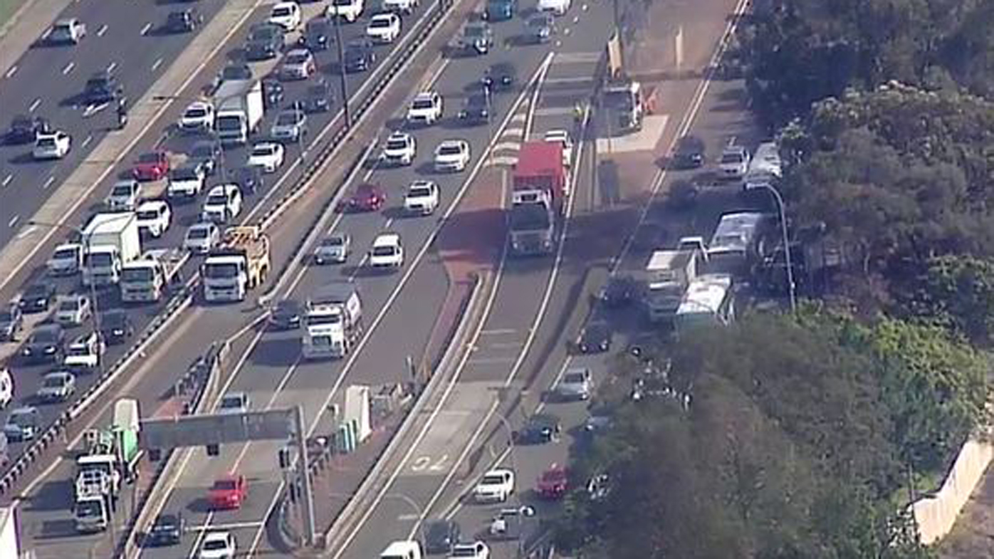 Over-height truck closes Sydney Harbour Tunnel