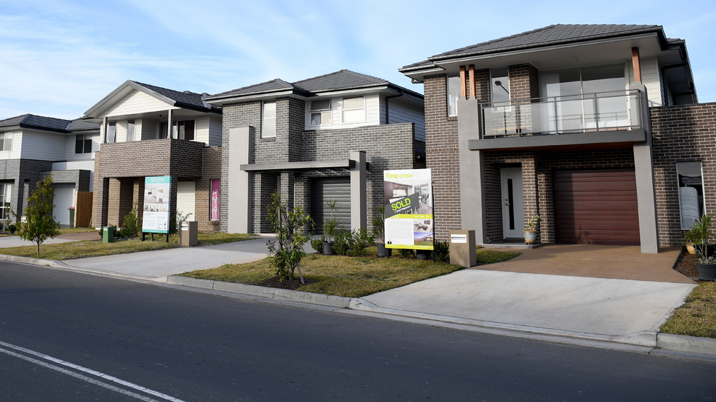 Falling house prices set to level out