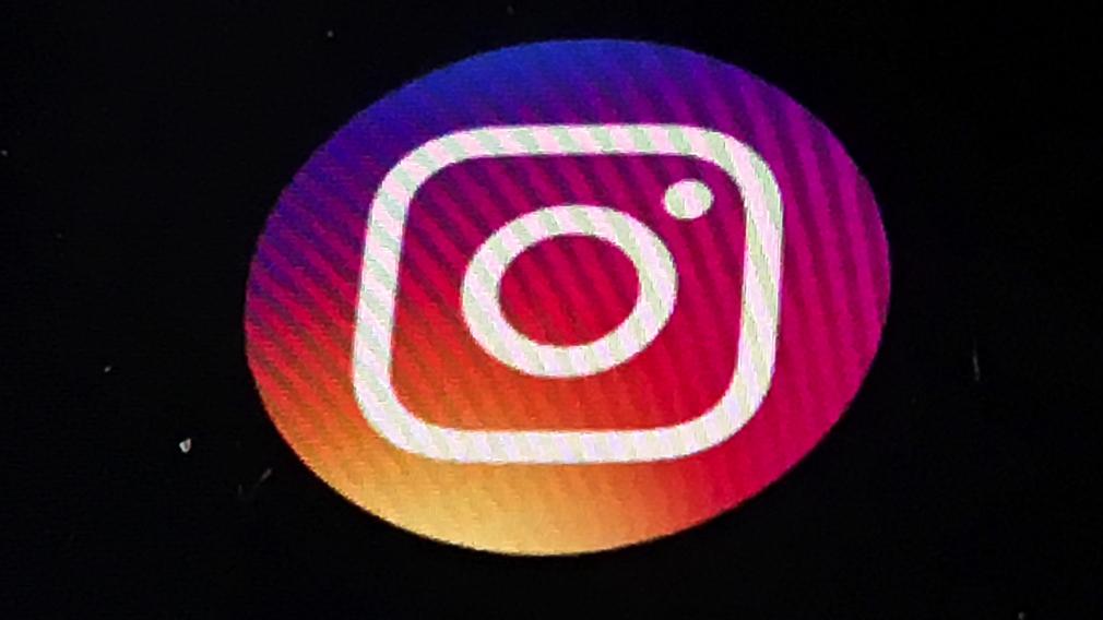 Instagram update horizontal swipe