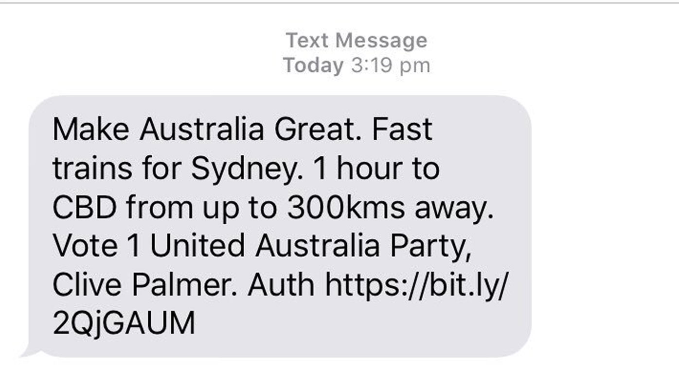 Clive Palmer sends unsolicited text messages