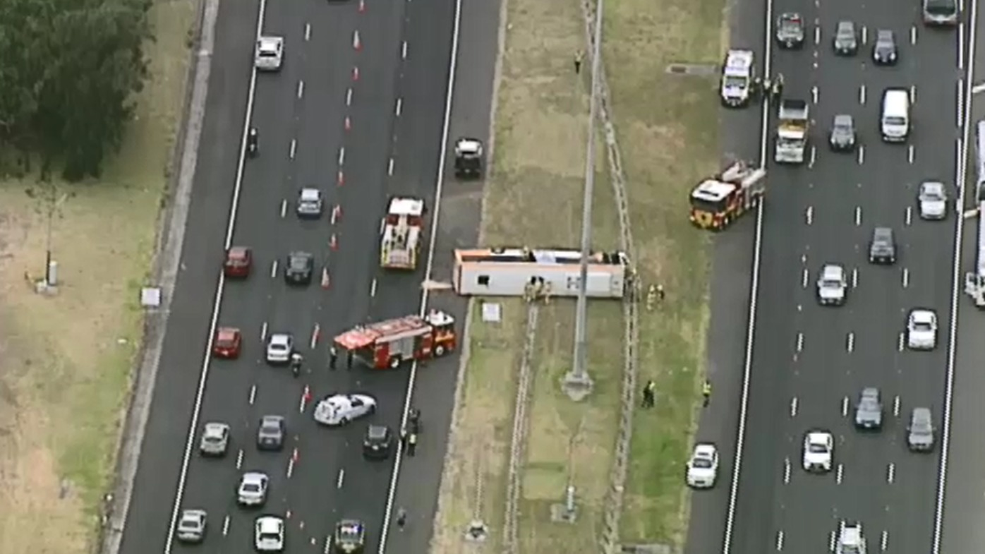 Bus rollover sparks heavy delays for Eastern Freeway drivers