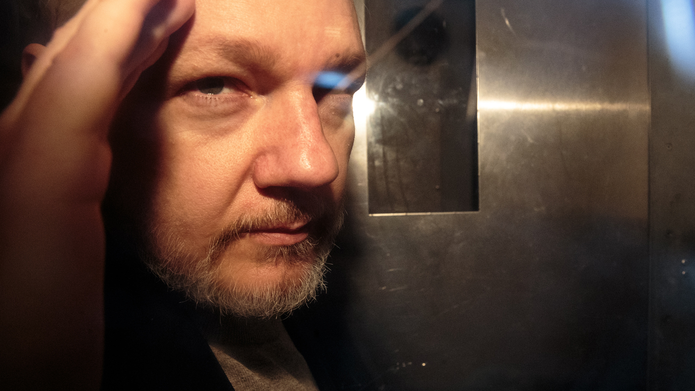 Julian Assange charged by US prosecutors with violating Espionage Act