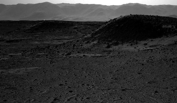 NASA rover captures mysterious light on Mars