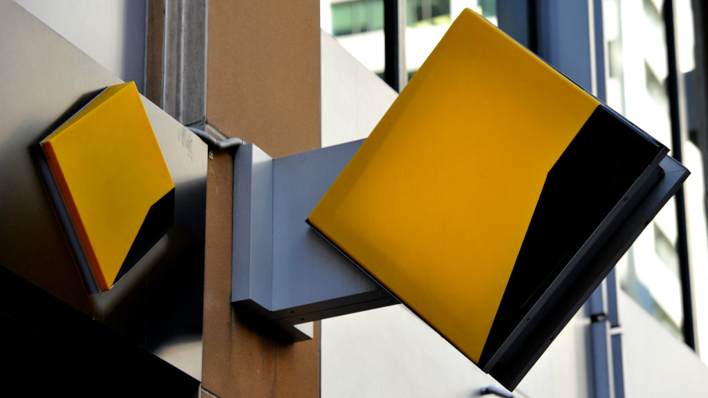 Commonwealth Bank under fire after reports paper statements will now attract a $2.50 fee