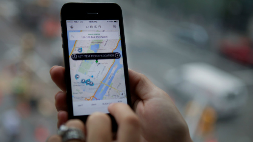 Nsw Taxi Council Slammed For Claiming Uber Is No Safer Than Hitch Hiking