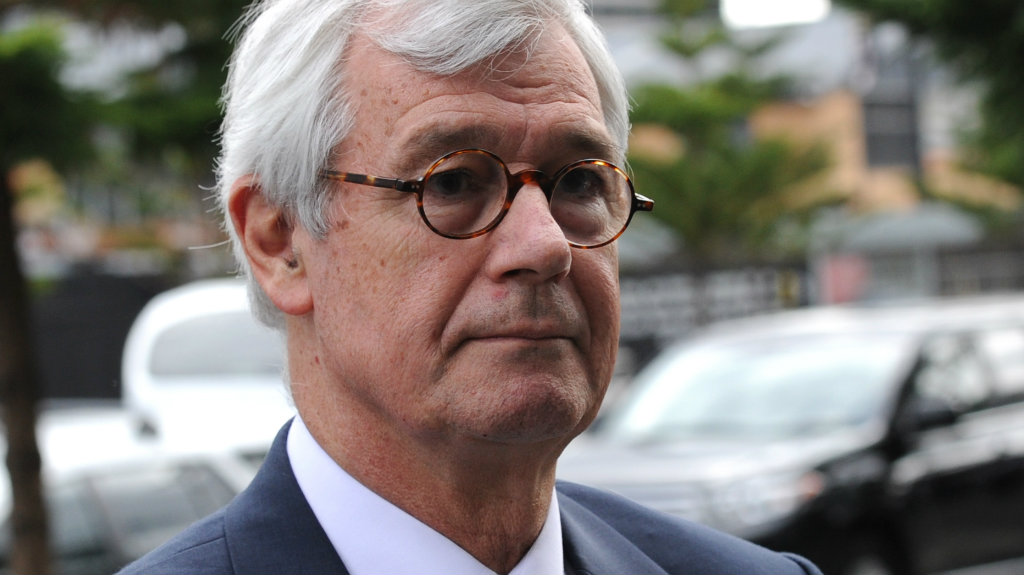 Abbott should face court, says prominent lawyer