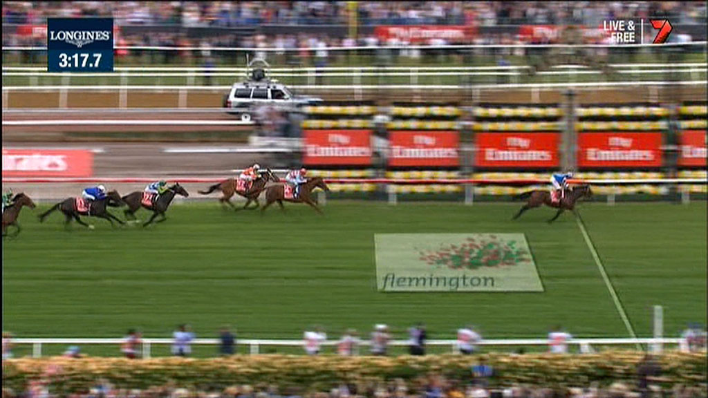 The 2014 Melbourne Cup comes to an exciting finish. (Supplied)