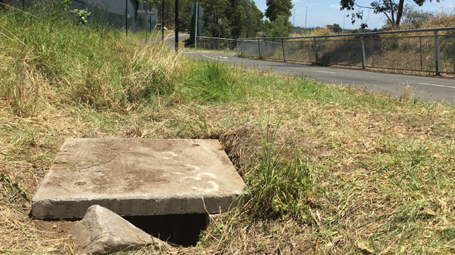 The drain near the M7 cycle path where a newborn Sydney baby was found dumped. (AAP)