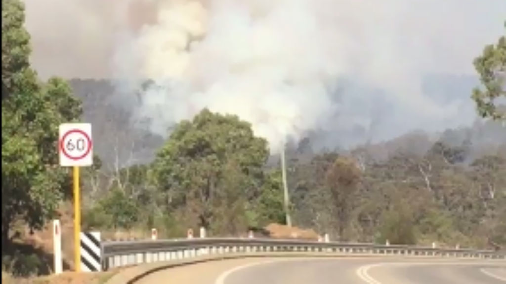 Fire emergency downgraded for residents north of Perth