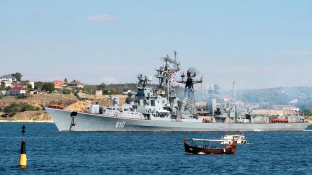 Russian warship fires warning shots at Turkish fishing vessel