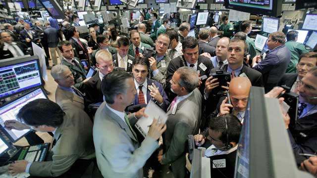 Traders on the floor of the New York stock exchange react to global meltdown in 2009. Source: AAP