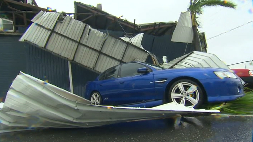 A structure has collapsed onto a car at Rockhampton. (9NEWS)