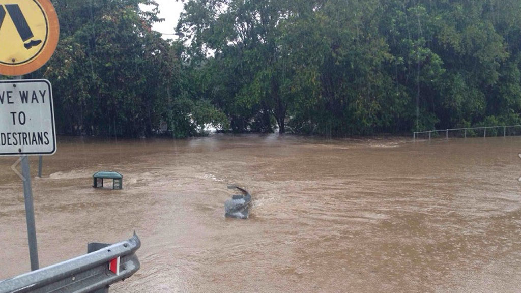 Several roads in Nambour on the Sunshine Coast are flooded. (Supplied: QFES)