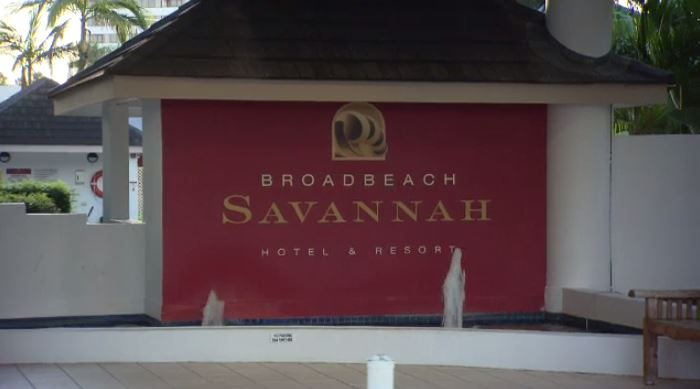 Broadbeach Savannah Resort in the Gold Coast says rooms are in good condition despite complaints. (A Current Affair)