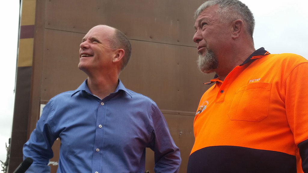 Queensland premier pledges $375 million for inland solutions to Bruce Highway nightmare