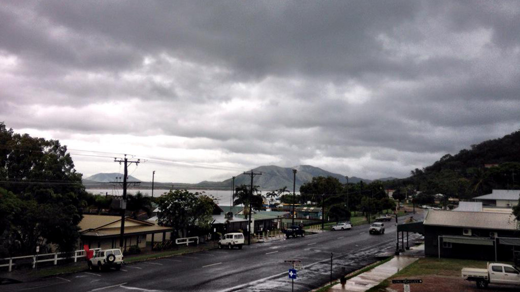 The weather worsens off Cooktown. (9NEWS)
