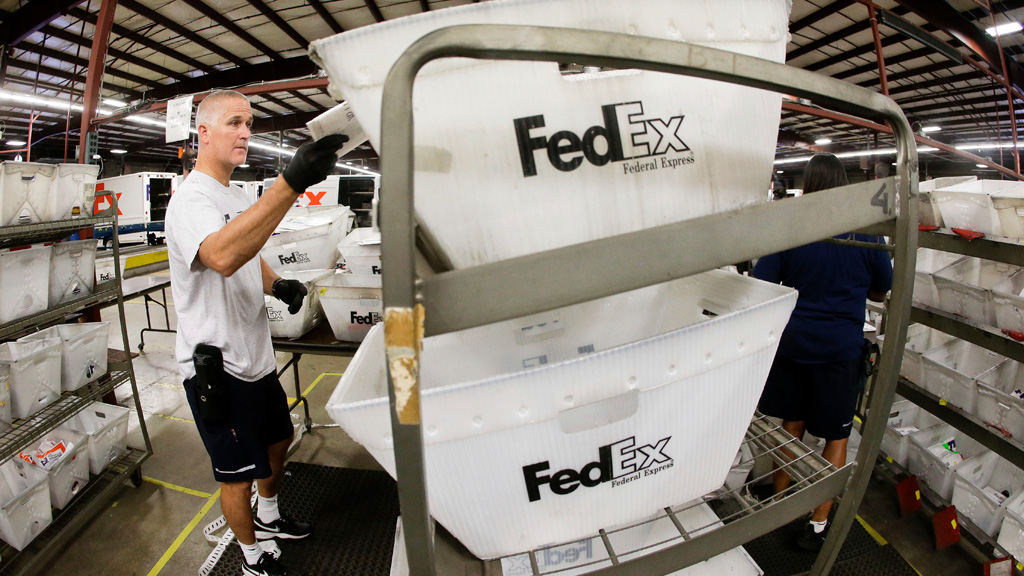 an analysis of fedex corporation usage of e commerce Fedex realigns specialty logistics and e-commerce solutions january 16, 2018 memphis, tenn, jan 16, 2018— fedex corp (nyse: fdx) fedex corporation.