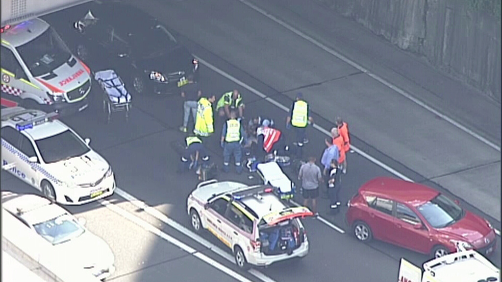 Motorists have been advised to expect major delays. (9NEWS)