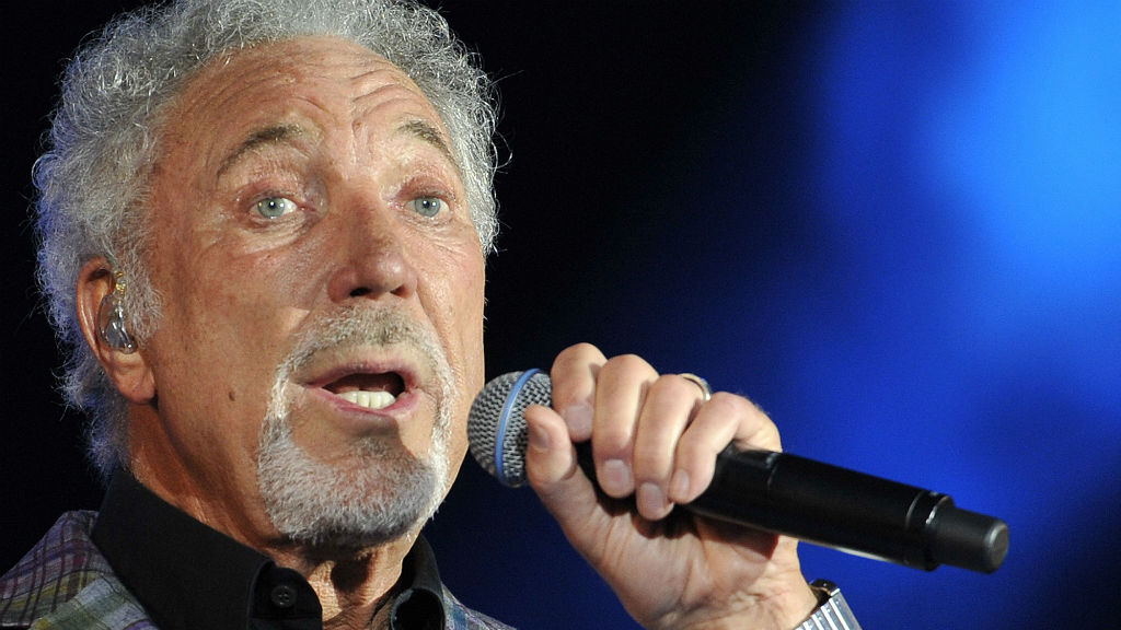 Tom Jones to take DNA test to find out if he has black ancestry